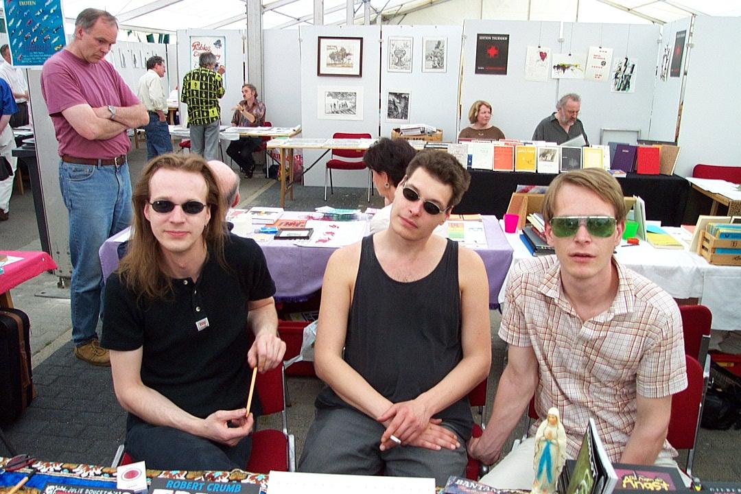 alle3 (Torsten Franz, Marc Degens, Frank Maleu; v.l.n.r.) auf der 16. Mainzer Minipressen-Messe (2001)