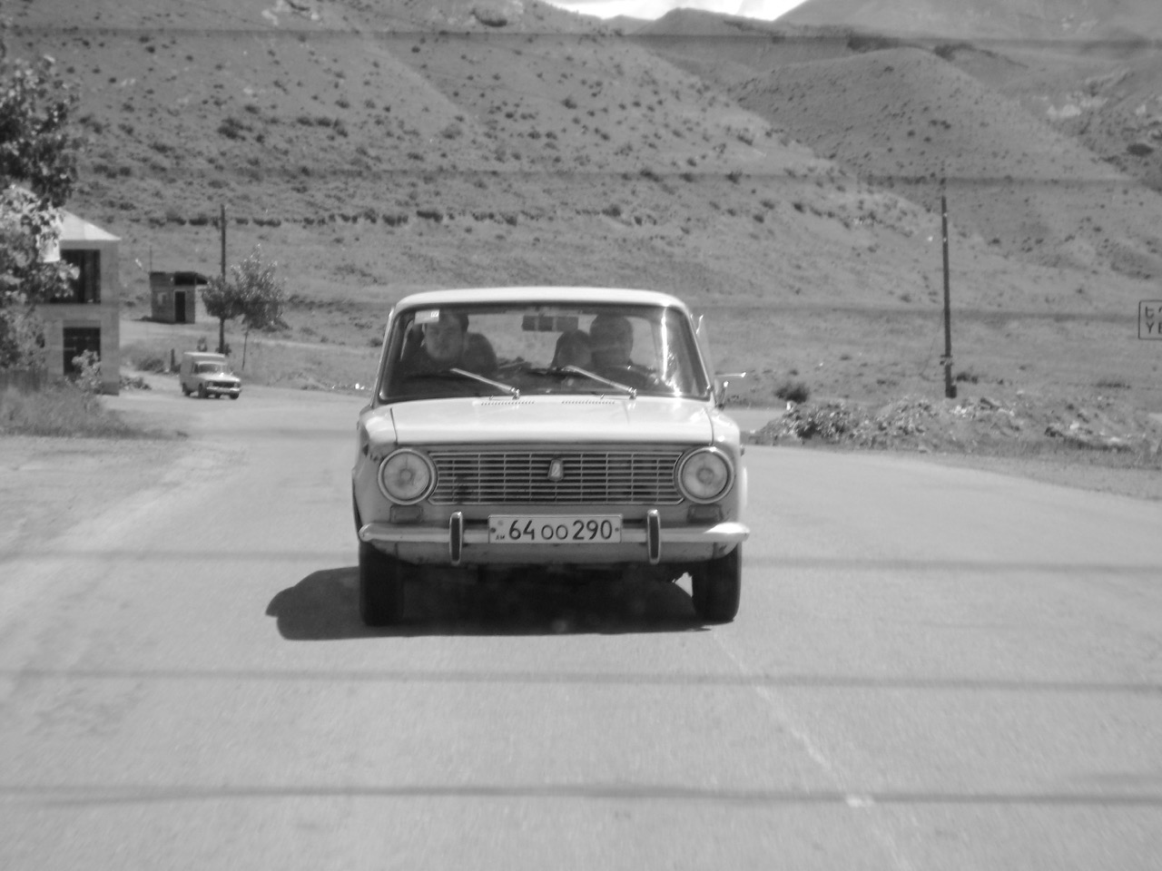 Foto: Im Schiguli. Aus: Eriwan. Kapitel 4. Aufzeichnungen aus Armenien von Marc Degens.