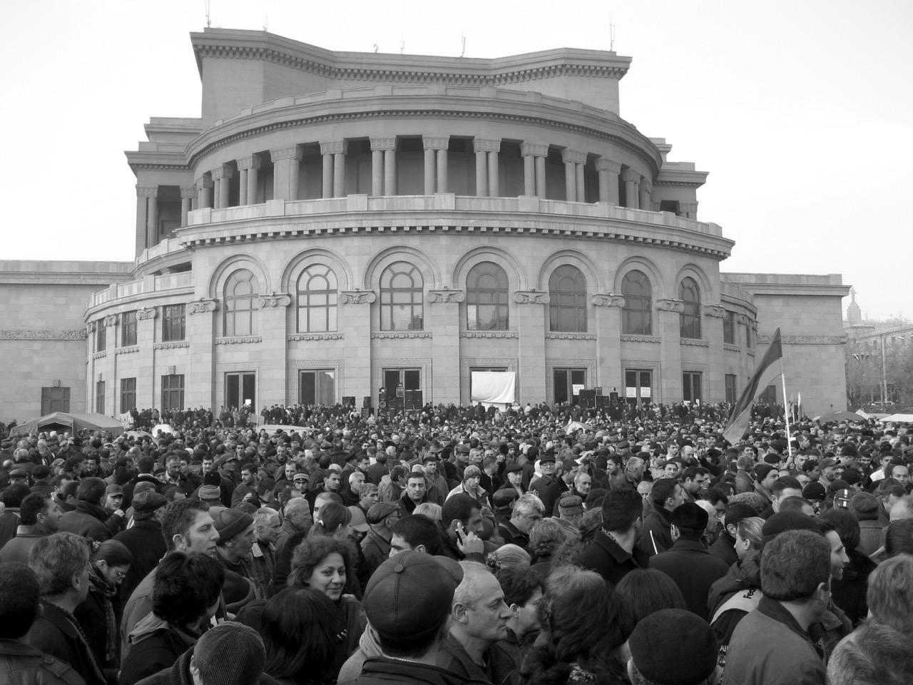 Foto: Republiksplatz. Aus: Eriwan. Kapitel 3. Aufzeichnungen aus Armenien von Marc Degens.
