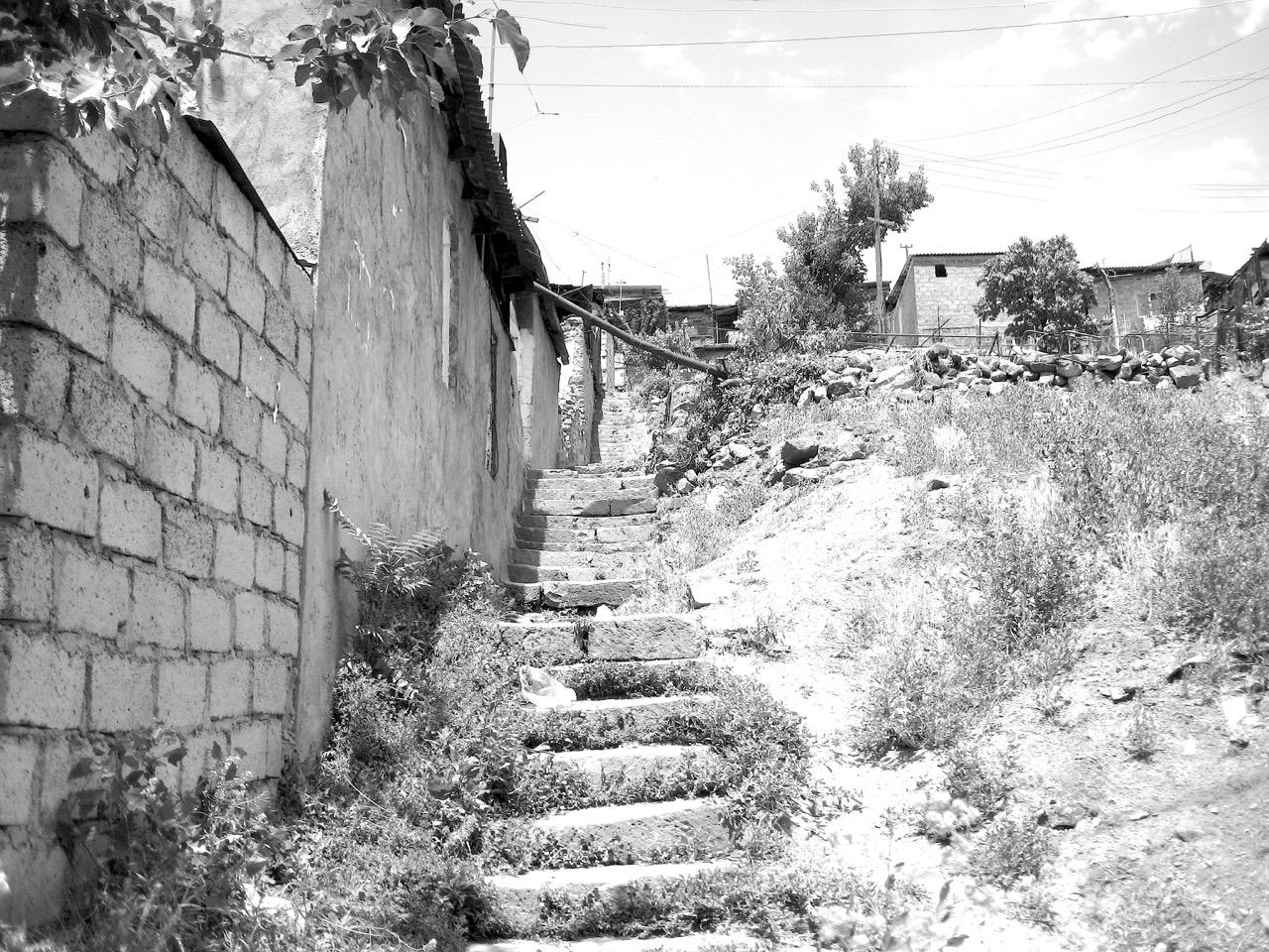 Treppe. Aus: Eriwan. Kapitel 7. Aufzeichnungen aus Armenien von Marc Degens.